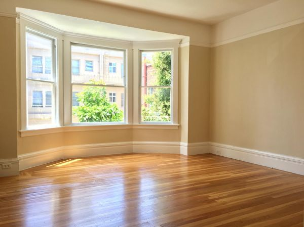 845 Hyde Street #9 - Charming & Spacious One Bedroom Apartment